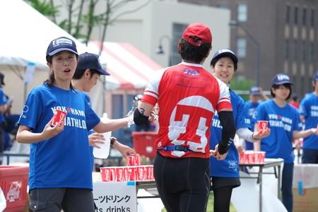 2015.05.17 2015世界トライアスロンシリーズ横浜大会 給水