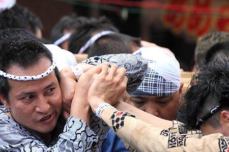 2011.08.07 富士 甲子祭 神輿 押し合い