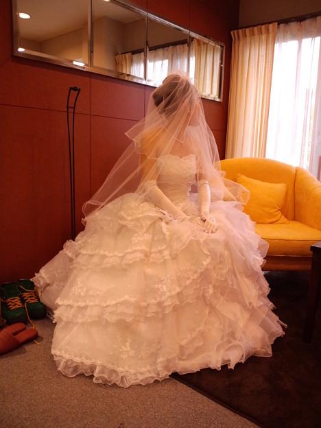 挙式目前の花嫁