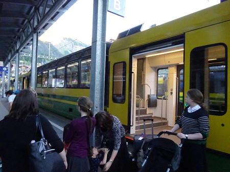 160718-27ウエンゲンへの列車