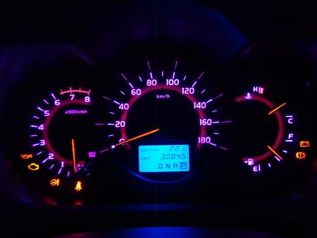 ヴァンガード 山梨県 車内LED打ち替え メーター
