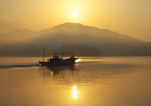 写真: 朝日のふもと H29,3,20