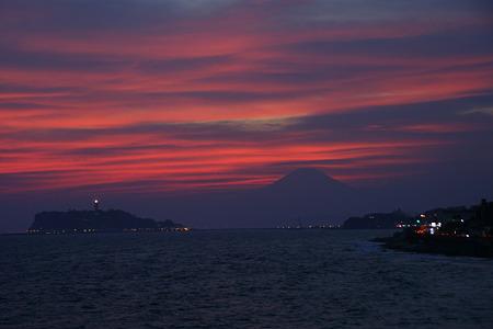 茜色に染まる空と富士山!(20100911)