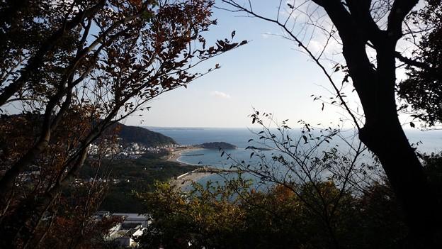 大峰山から葉山の海