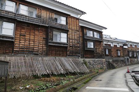 旧野村家の土蔵群 (1)