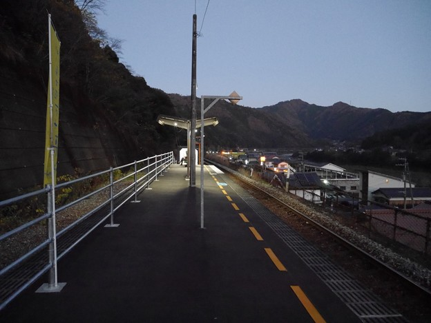 夕方の予土線・十川駅