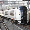 Photos: 成田エクスプレス52号品川進入 窓に同時進入の特急ひたち20号♪