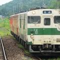 Photos: キハ40 3色編成と大金にて列車交換