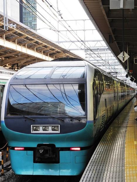 Photos: 251系スーパービュー踊り子8号東京8番到着