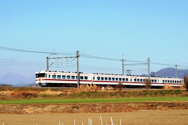 Photos: 男体山と東武350系回送