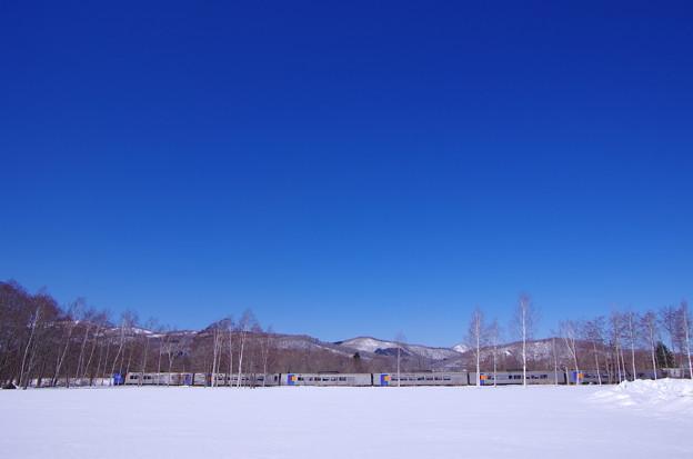 紺碧の空とスーパー北斗