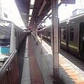 写真: 田町駅にて山手線が抑止。そ...