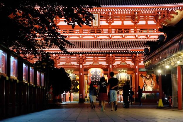 浅草寺門。