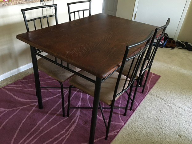 table with 4 chair $18