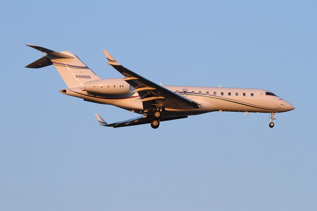 Global Express N988GG