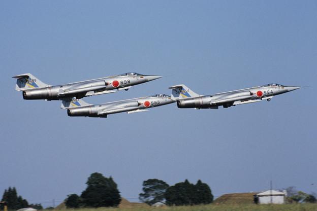 F-104J RJFN 204sq formation takeoff 79Dec