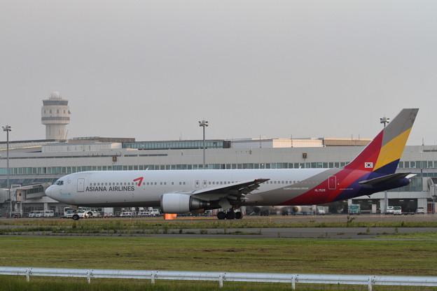 B767 Asiana Airlines  定期便就航