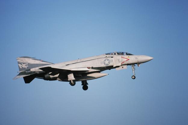 Photos: USN F-4J 158370 NF111 VF161 Atsugi 1981