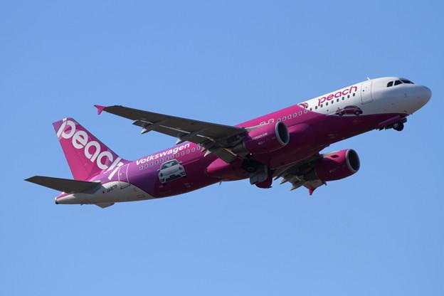 Photos: A320 PeachにVWの1point JA817P