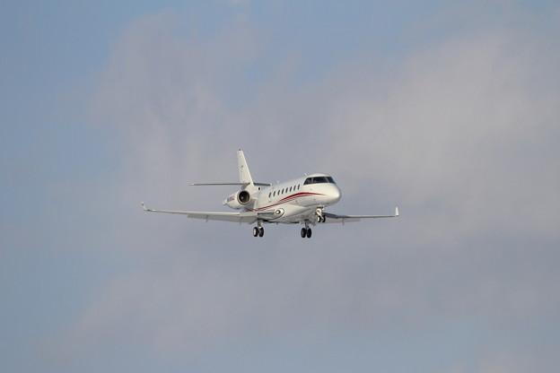 IAI Gulfstream200 N688AJ approach