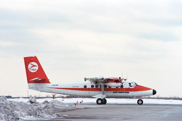 DHC-6-300 JA8799 ANK HKD 1990冬