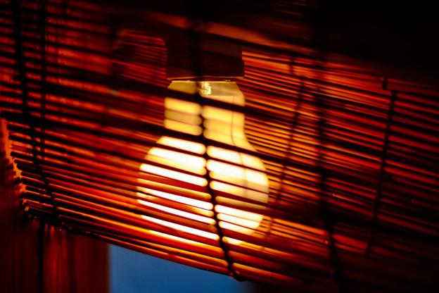 Photos: フィラメントの灯り