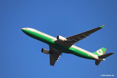 飛行機 at成田空港