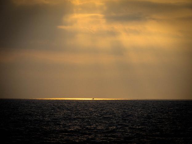 写真: 海♪~光芒