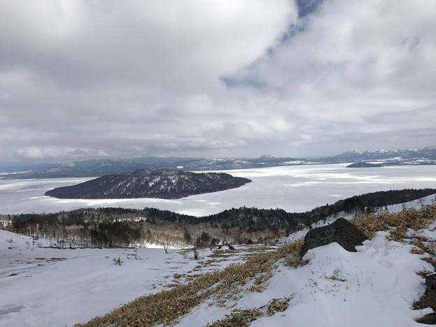 美幌峠から屈斜路湖を望む