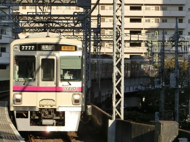 京王7000系(7727F) 準特急高尾山口行き
