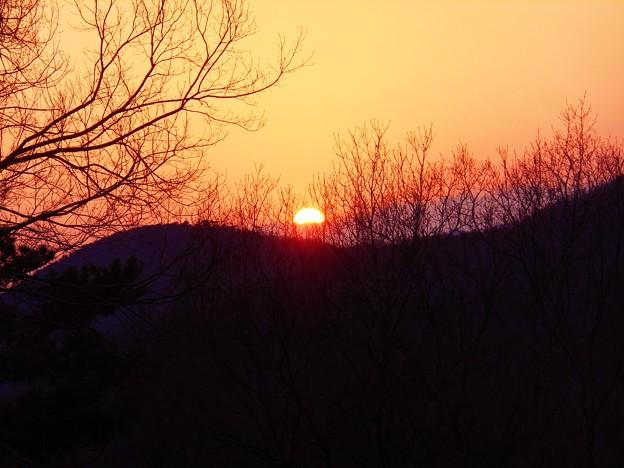 春分の日の備後路の夕陽