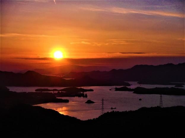 しまなみ海道・布刈の瀬戸の夕陽 in 高見山展望台