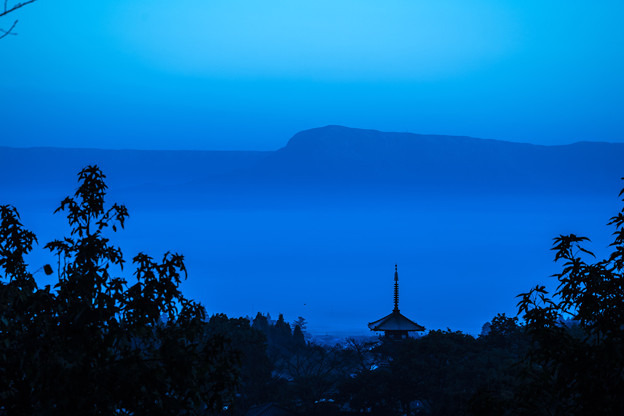 写真: 夜明け前-1