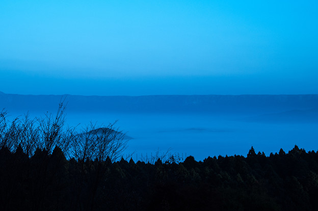 写真: 夜明け前-2