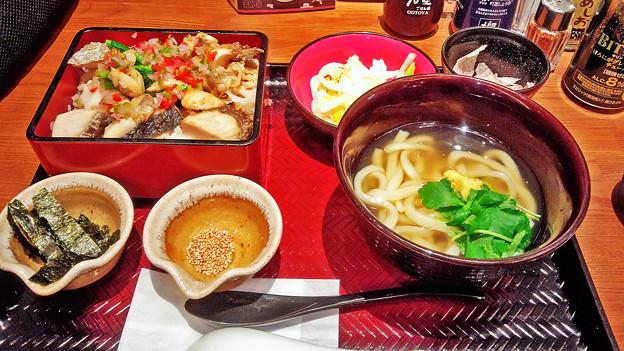 大戸屋 ( 成増 )  鰆と菜の花のちらしご飯と生姜あんかけうどん