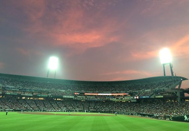 夕暮のスタジアム