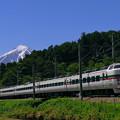 Photos: 山梨富士3号 M52 と富士山