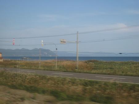 車窓はずっと海