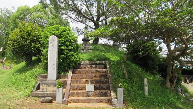Photos: 長篠設楽原合戦場(新城市)信玄塚(大塚)