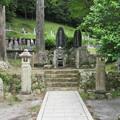 大洞院(周智郡森町)石松墓所
