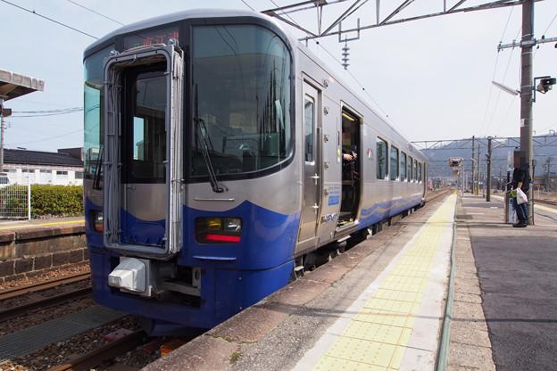 P3216168-e01