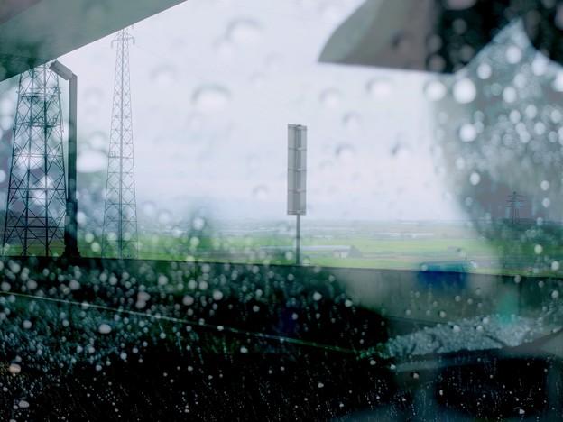 Photos: 雨に煙る車窓