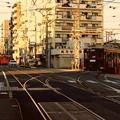 写真: 路面電車の走る町