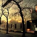写真: 黄昏の街