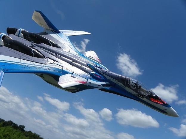 VF-31Jジークフリード  マクロスΔ プラモデル