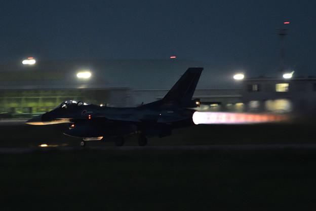 F-2 夜間訓練