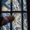 写真: ガラスの床