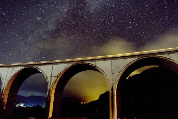 Photos: 織姫星と彦星と虎臥城大橋