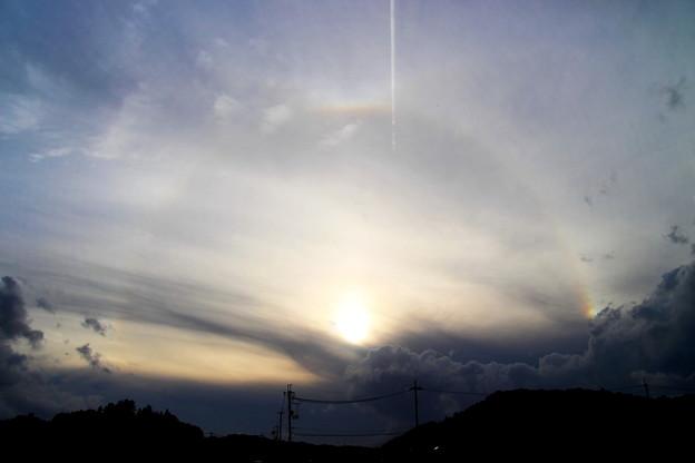 ハロ と飛行雲