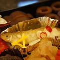 写真: 公魚の南蛮漬け、京人参の小菊
